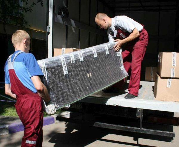 Погрузка мебели для переезда