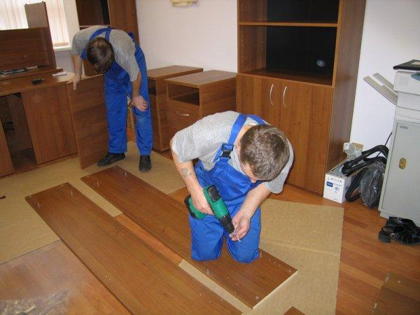 Разборка и упаковка офисной мебели