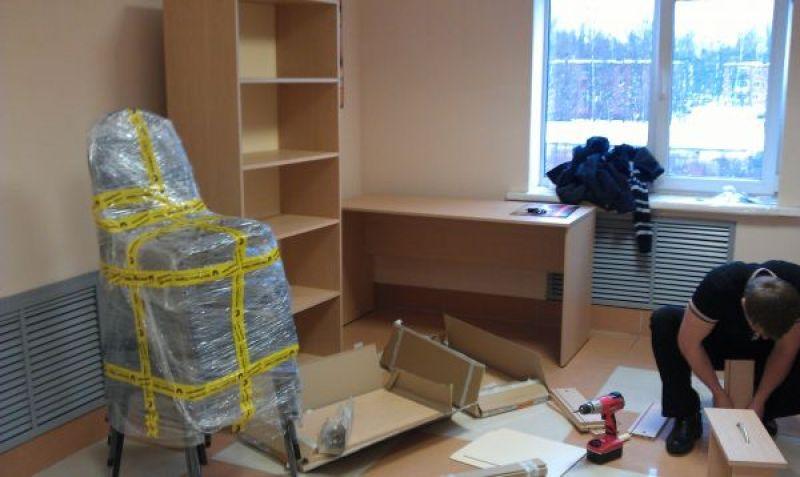 Упаковываем офисную мебель: особенности и требования